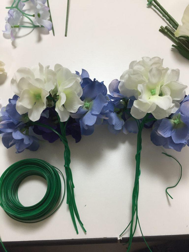 造花をまとめる